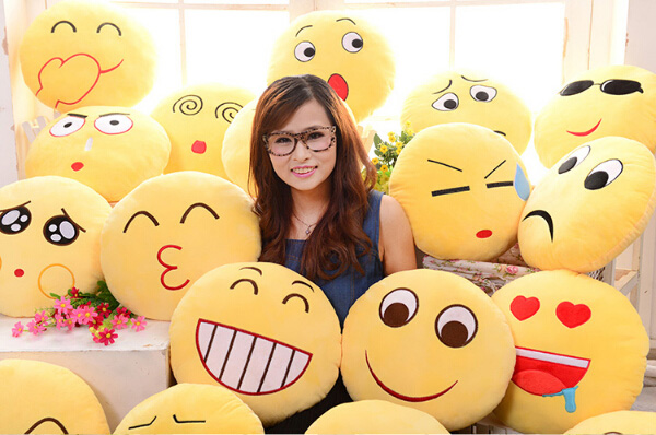 Emoji Kussens Kopen : 🎁🎁🎁 benieuwd hoe emoji emoticon toiletpapier drol